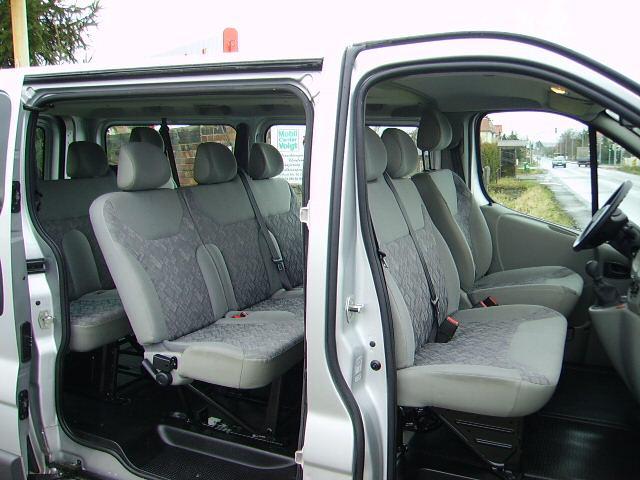 Opel Vivaro (1+8)